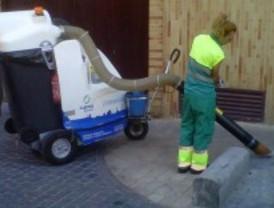 Arranca la limpieza de interbloques en los barrios de la Alhóndiga y Juan de la Cierva, de Getafe
