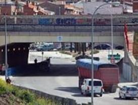El Ayuntamiento estudia soterrar el puente de Vallecas