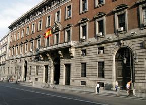 La Guardia Civil acusa a 12 abogados de ETA de ocultar 1,3 millones a Hacienda
