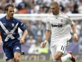 Benzema y Kaká desatascan al Madrid
