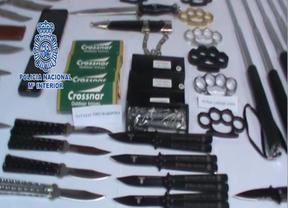 Detenido un menor por vender armas prohibidas en Internet