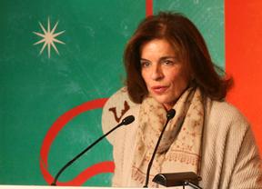 Ana Botella anuncia que se baja el sueldo, en cumplimiento de la ley estatal