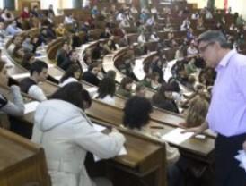 Sanidad convoca las 1.600 plazas de Enfermería prometidas