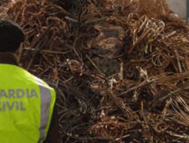 La Guardia Civil detiene a cinco personas que robaban cable de cobre