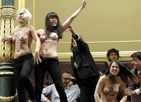 Las activistas de Femen quedan en libertad sin cargos