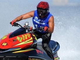 Un madrileño lucha por ser el más veloz en el mar