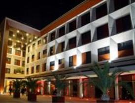 Herido grave tras caer desde 3 metros de altura en un hotel de Pinto