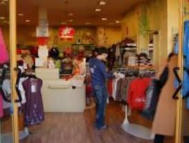 Los madrileños comprarán más ropa para regalar en Navidad