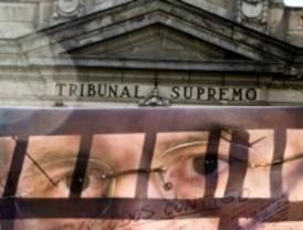 Dos mil personas se concentran frente al Tribunal Supremo para apoyar al juez Garzón