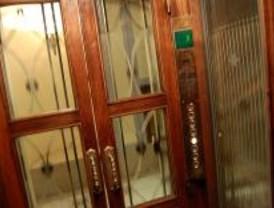Comunidades de vecinos protestan por la lentitud municipal en instalar ascensores
