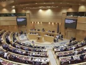 El finiquito de los senadores: 8.345 euros, un smartphone y un ordenador por 100 euros