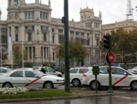 Ruiz-Gallardón quiere que no haya más taxis con motor diésel en Madrid