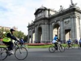 Diez mil ciclistas 'toman' un centro de Madrid sin coches