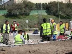100 obreros protestan en Torrejón de Ardoz por el mes de nómina que les deben