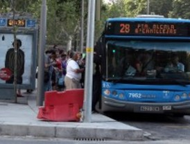 Autobuses, trenes y taxis, alternativas de transporte pese a la caída de sus páginas web