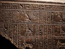 Los Reyes inauguran la muestra 'Tesoros sumergidos de Egipto'