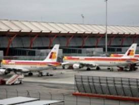 El aeropuerto de Barajas ha desviado tres aviones por el mal tiempo