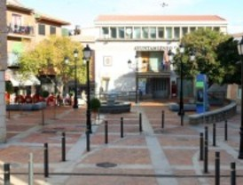 Pelayos inaugura la 'nueva' plaza del Generalísimo