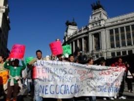 Vecinos de la Cañada protestan contra el 'acoso' y los derribos