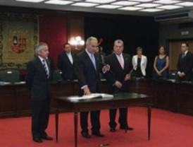 Parro empieza su tercera legislatura en Móstoles con un segundo plan de austeridad