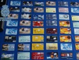 Cae una banda que gastó 75.000 euros con tarjetas clonadas de ciudadanos estadounidenses