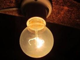 Industria congelará el recibo de la luz en octubre