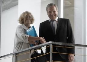 Carmena y Carmona anuncian un pacto de investidura para