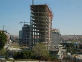 Los colegios de arquitectos e ingenieros firman un convenio para resolver informes de licencia
