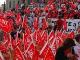 Los sindicatos denuncian la pasividad del Gobierno regional ante la pérdida de empleo