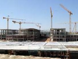 Los nuevos hospitales no funcionarán a pleno rendimiento hasta finales de 2007