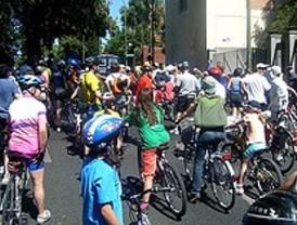 Los ciclistas 'toman' Arturo Soria para exigir un carril bici