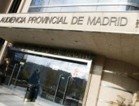 La Audiencia juzga a una mujer que arrojó a un hombre por el Puente de Segovia tras una discusión