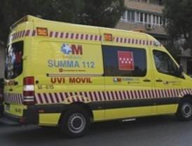 Cinco heridos tras empotrar su coche contra una farola