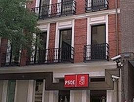 Apedrean tres coches de la caravana electoral del PSOE