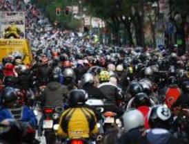 Miles de moteros piden más protección en las carreteras