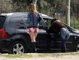 Gallardón pide al Gobierno una ley contra las mafias de la prostitución