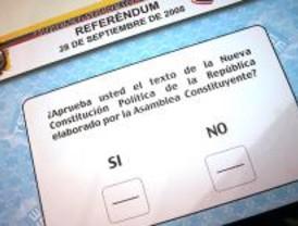 Los ecuatorianos de Madrid aprueban su nueva Constitución