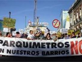 Los colectivos antiparquímetros piden una consulta sobre la instalación del SER