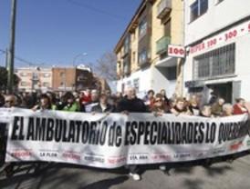 4.000 firmas contra el cierre del centro de especialidades de Fuencarral