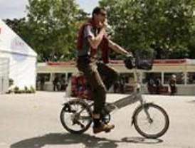 Madrid amanece con 11 kilómetros de carril bici pintados a mano