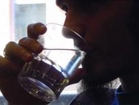 Nueve de cada diez madrileños no beben lo suficiente para evitar los golpes de calor