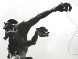 Desaparece la esfera de la estatua del Dolmen de Dalí