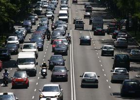 La Comunidad propone adhesivos para distinguir los vehículos de alquiler con conductor