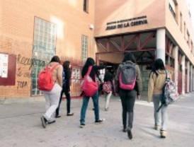 CCOO calcula una reducción de 2.000 interinos el próximo curso escolar en Madrid