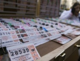 Roban más de 30.000 euros en lotería en una administración de Tetuán y golpean al dueño