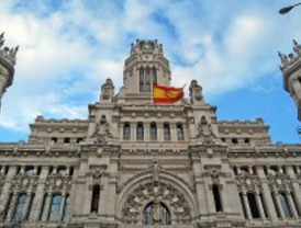 Madrid ahorrará hasta 90 millones por el 'tijeretazo' del Gobierno a los funcionarios