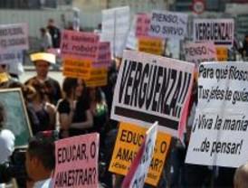 Profesores de Filosofía protestan por la reducción de clases en secundaria