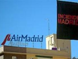 Air Comet negocia con Fomento absorber las rutas y empleados de Air Madrid