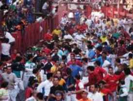 Pamplona recibe a una delegación del Ayuntamiento de San Sebastián de los Reyes