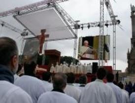 Unas 450.000 personas asisten a la misa de Colón